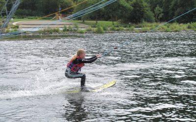 Wassserskifahren und Klettern